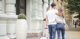 Tourist Love